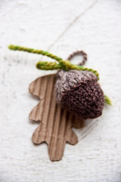 tiny knit acorn tutorial and pattern