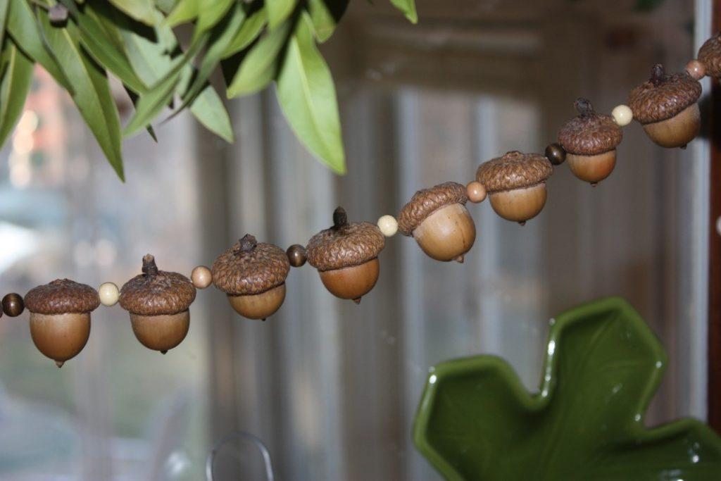 real acorn garland tutorial