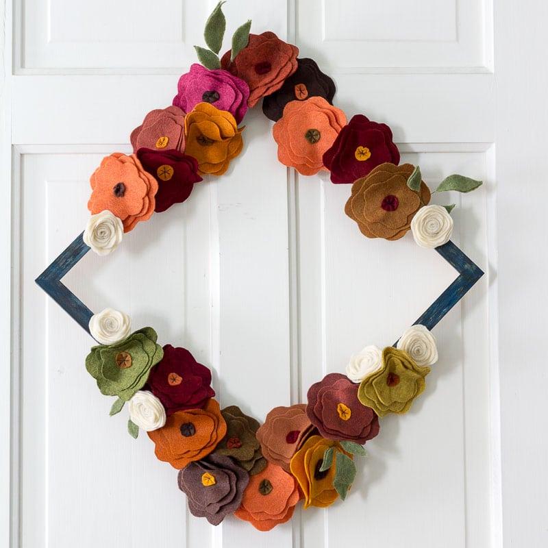 felt flower fall wreath tutorial