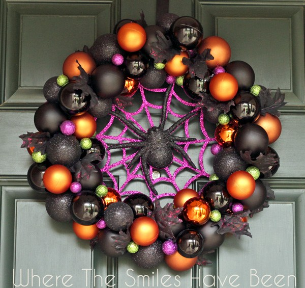 Halloween ornament wreath tutorial