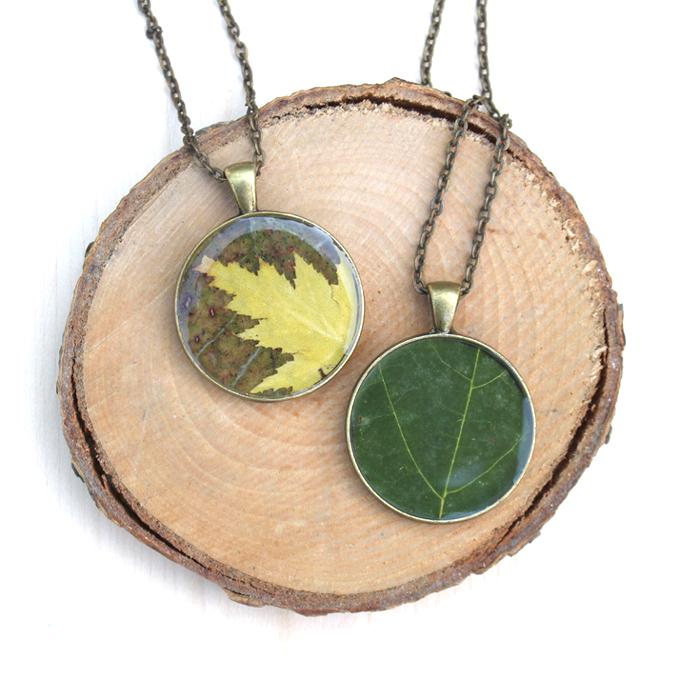 Autumn leaf resin necklace tutorial