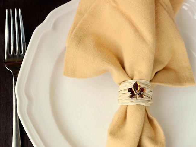 raffia Thanksgiving napkin ring tutorial
