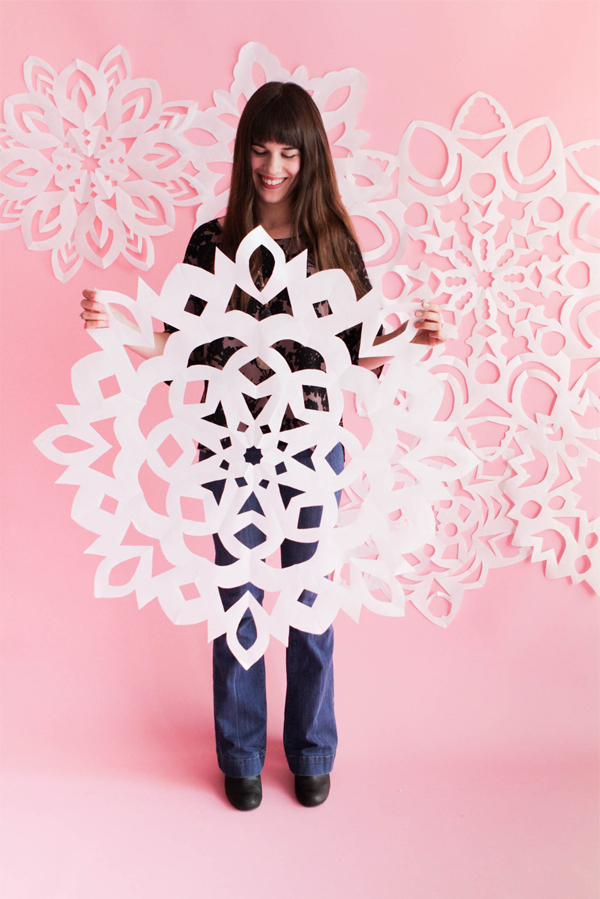 Giant paper snowflake tutorial