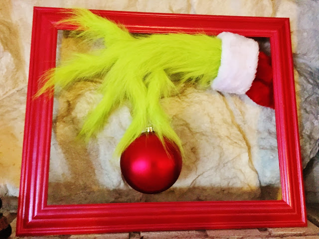 Grinch hand fur Christmas decoration tutorial