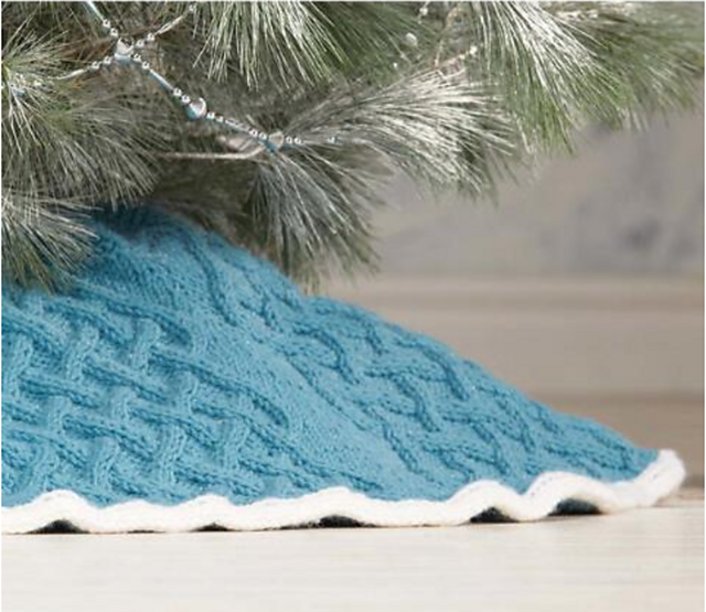 cable knit Christmas tree skirt pattern