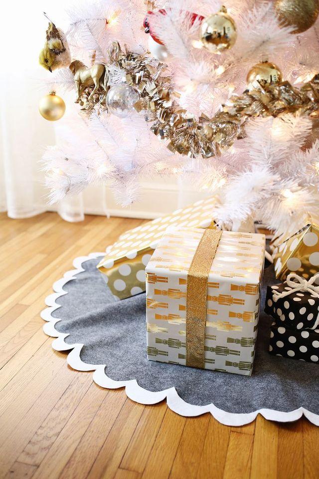 scalloped felt Christmas tree skirt