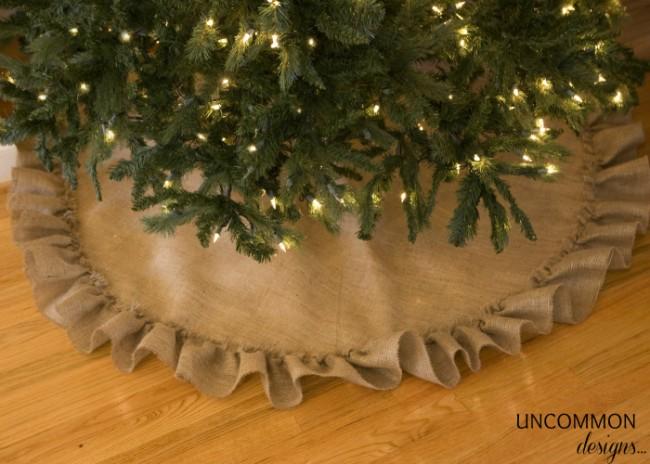 no sew ruffled burlap Christmas tree skirt tutorial