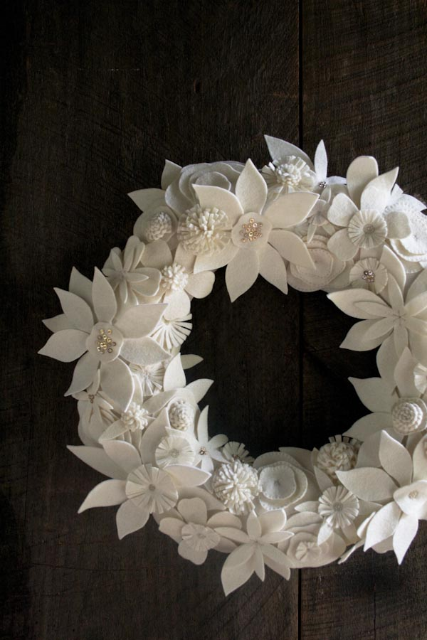 white felt Christmas wreath tutorial