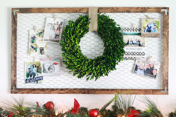 Chicken wire frame Christmas card display