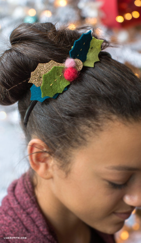 felt holly Christmas headband tutorial