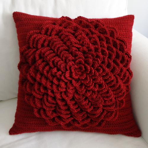 crochet Christmas pillow tutorial and pattern