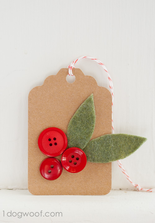 Easy Christmas felt and button holly gift tag
