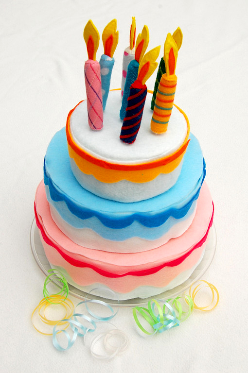 felt tiered cake tutorial to decorate and play