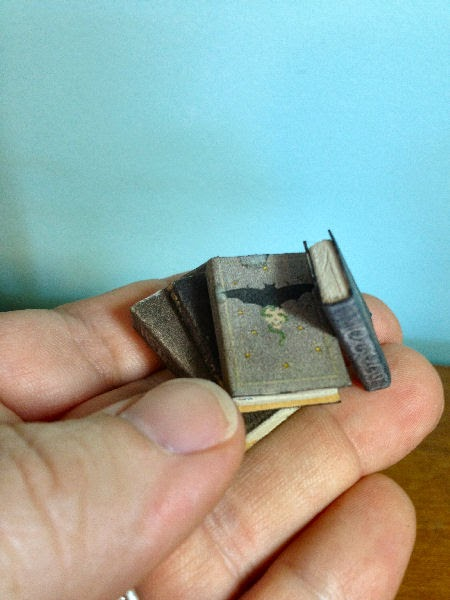 miniature dollhouse books tutorial