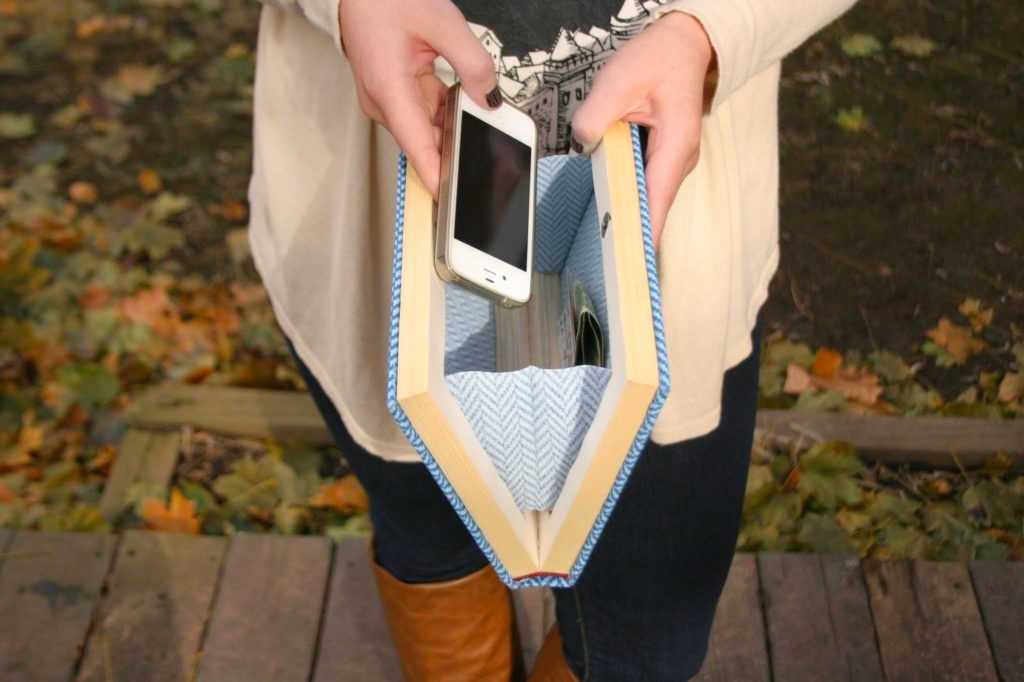tutorial for DIY book clutch