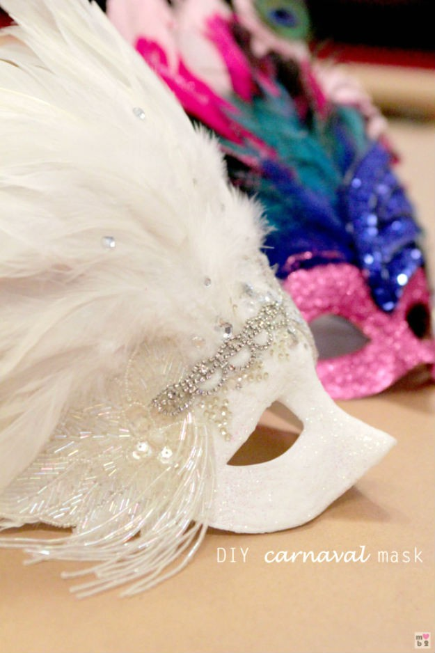 Tutorial for making a mardis gras carnival mask